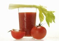 Томатный сок получают из зрелых томатов