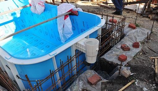 Установка бассейна из полипропилена