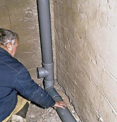 ustanovka-kanalizacii-v-dome