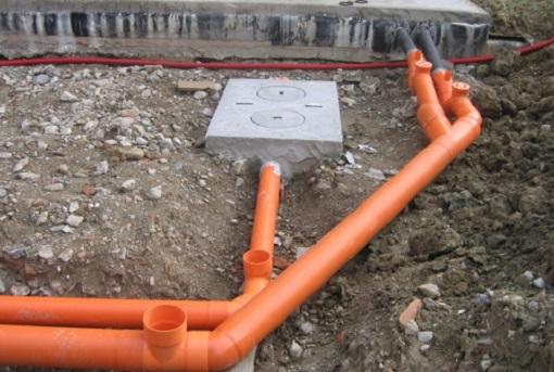 ustanovka-naruzhnoj-kanalizacii-5