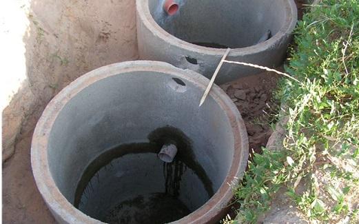 Устройство выгребной ямы из бетонных колец