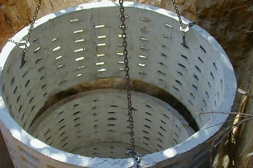 ustrojstvo-kanalizacii-iz-betonnyx-kolec-5