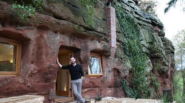 uyutnaya-kvartirka-v-drevnej-peshhere-ili-kak-muzhchina-reshil-zhilishhnyj-vopros