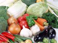 Для защиты овощных культур от заморозков,растения необходимо накрыть землёй
