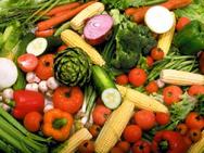 Содержание воды в плодах и овощах  в зависимости от вида, сорта, условий выращивания , колеблется   от 70% до 95%.