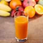Плодово-ягодные натуральные соки делают из продуктов переработки плодов и ягод
