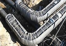 shumit-kanalizacionnaja-truba