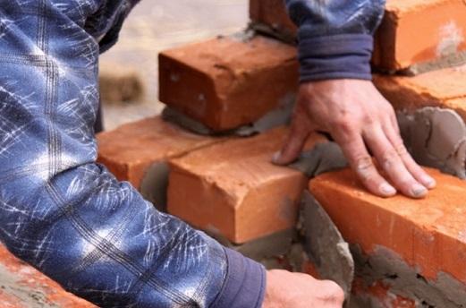 Как построить дом из красного кирпича?