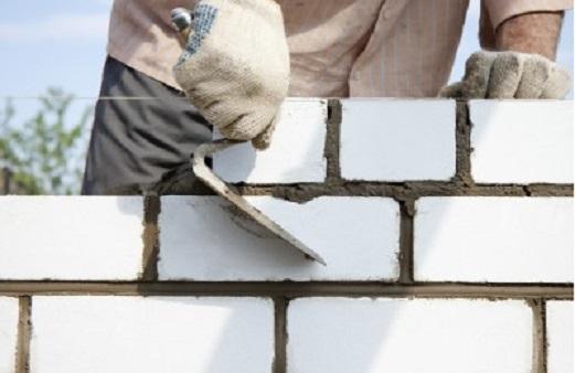 Как построить дом из силикатного кирпича?