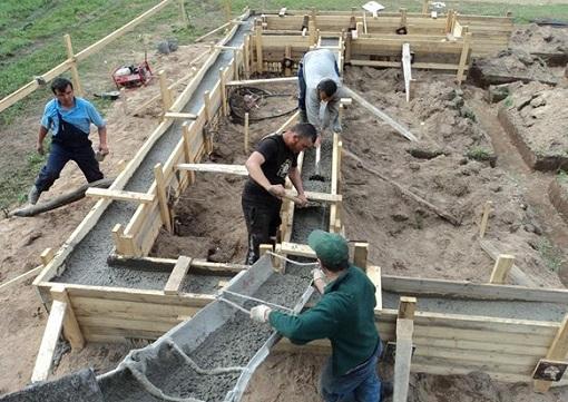 Как правильно построить фундамент дома?