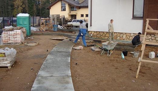 osobennosti-sadovoj-dorozhki-iz-betona