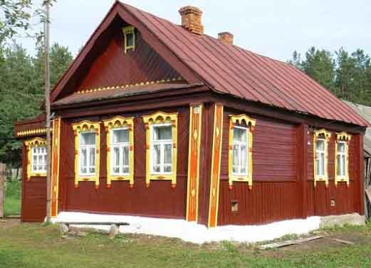 postroit-derevenskij-dom-svoimi-rukami