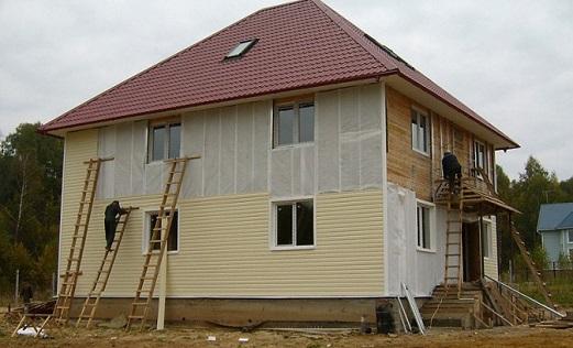 kak-obnovit-staryj-derevenskij-dom
