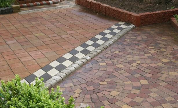 izgotovlenie-form-trotuarnoj-plitki-domashnix-usloviyax