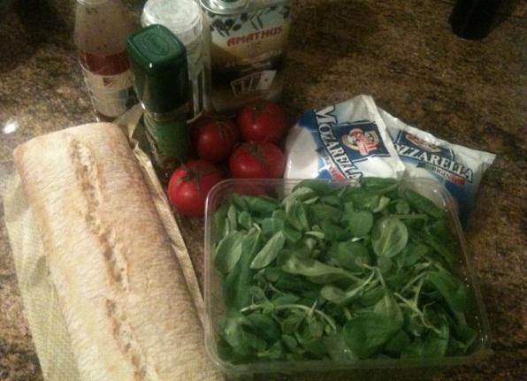 recept-salata-s-mocarelloj-kornom-tomatami-cherri-1