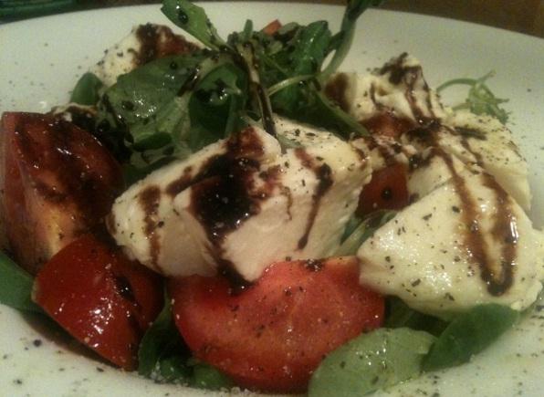recept-salata-s-mocarelloj-kornom-tomatami-cherri-12
