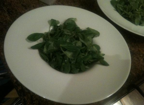 recept-salata-s-mocarelloj-kornom-tomatami-cherri-5