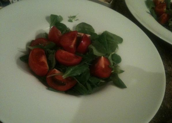 recept-salata-s-mocarelloj-kornom-tomatami-cherri-6