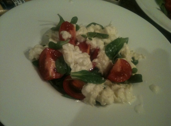 recept-salata-s-mocarelloj-kornom-tomatami-cherri-8
