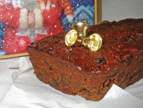 tyomnyj-rozhdestvenskij-keks-1