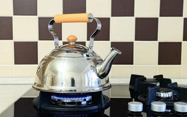 Как убрать налет в чайнике