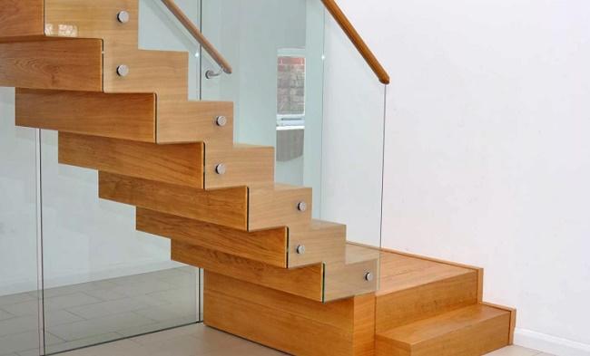 Стандартный размер (ширина и высота) ступеней лестниц в общественном здании, своем доме
