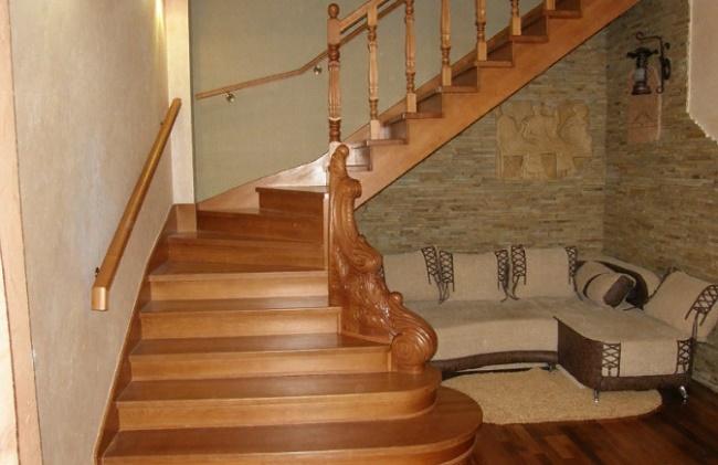 Типы деревянной лестницы и этапы изготовления модели