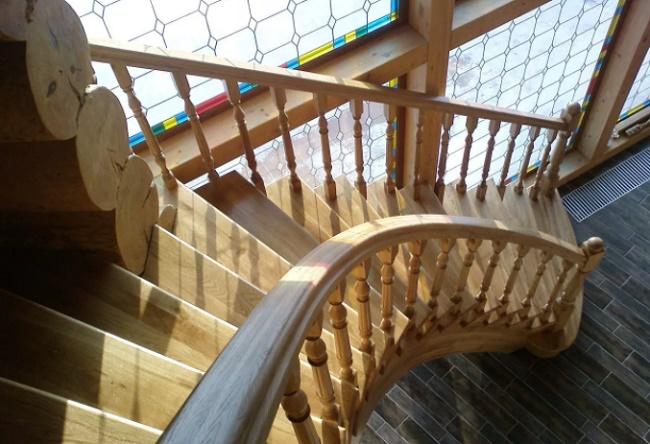 Виды деревянных лестниц на второй этаж