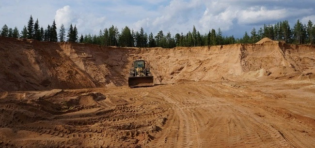 Как добывают песок в карьере?