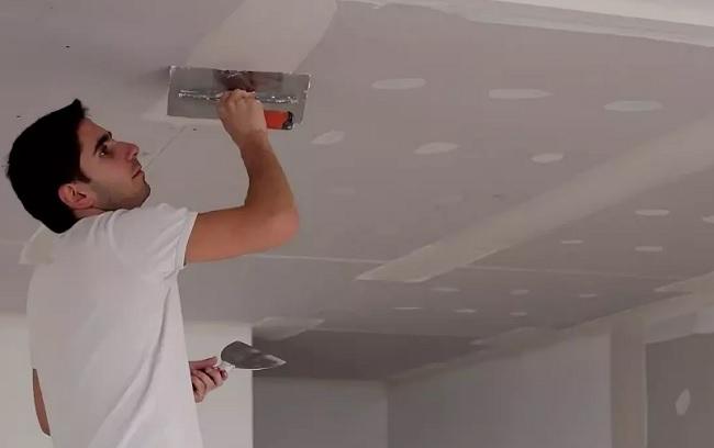 Чем красить потолок из гипсокартона?