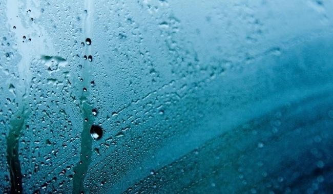 От чего зависит повышенная влажность воздуха?