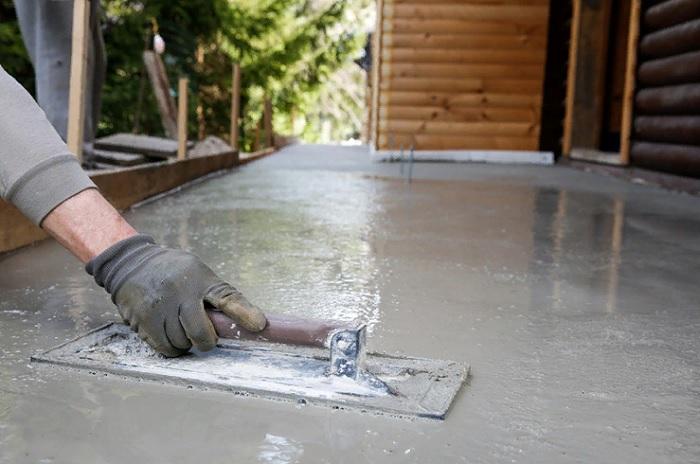 Для чего добавляют жидкое стекло в бетон?