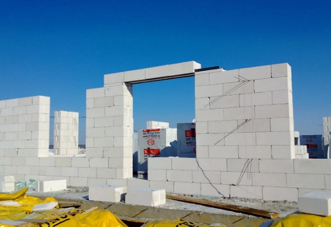 Из чего делают стены домов?