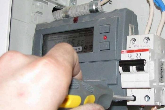 Как часто надо менять электрические счетчики?
