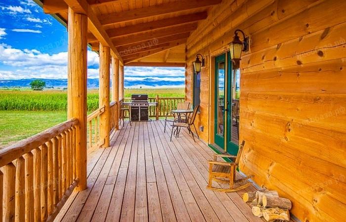 Чем покрасить деревянную террасу на даче?