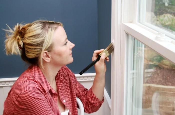 Владельцам деревянных стеклопакетов: как правильно красить окна