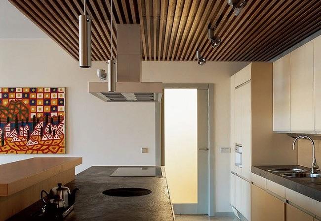 Подвесной реечный потолок для кухни